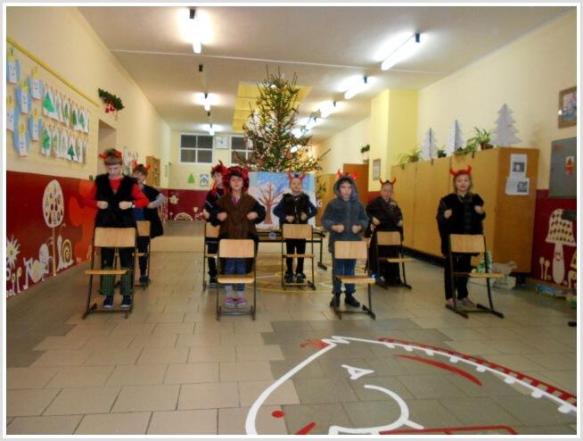 Vánoční pásmo - ZŠ (04).jpg
