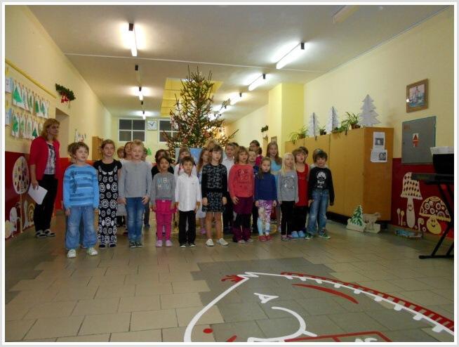 Vánoční pásmo - ZŠ (07).jpg
