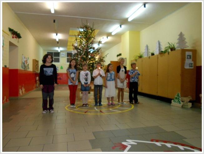 Vánoční pásmo - ZŠ (15).jpg