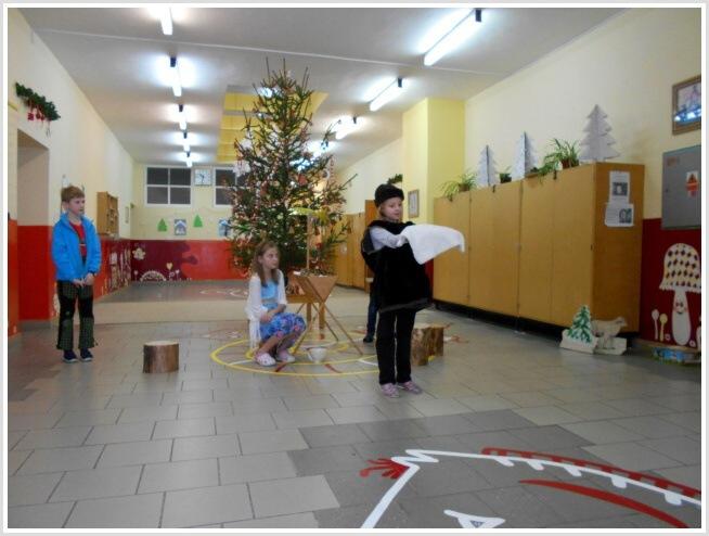 Vánoční pásmo - ZŠ (19).jpg