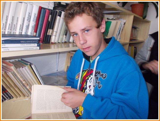 v knihovně (05).jpg