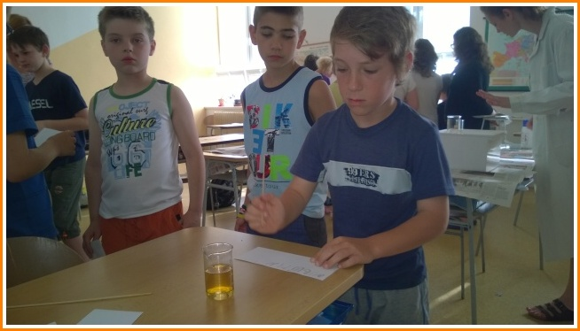 mladí chemici (07).jpg